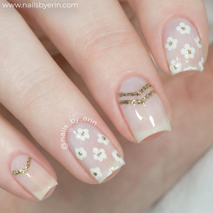 Gold Daisy Nails | NailsByErin