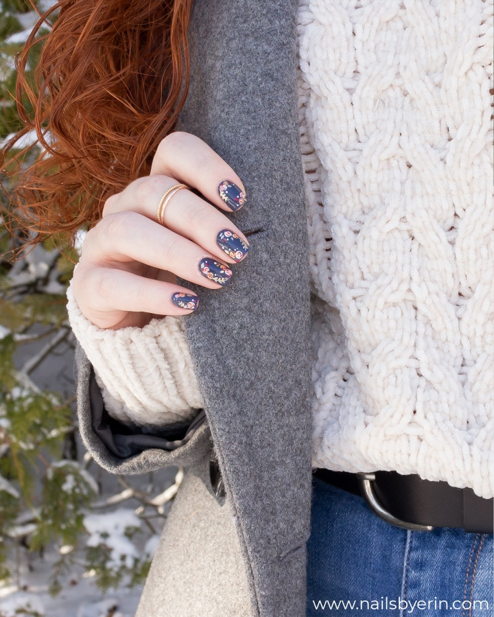 Winter-Floral-nails-pic4