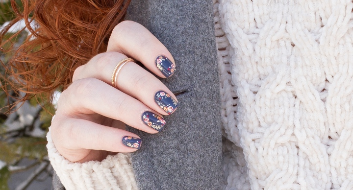 Winter Floral Nails | Whats Up Nails Brush Review